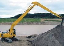 25 ton Long Reach Excavator hire