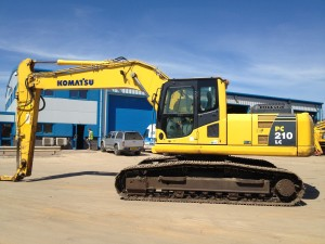 Excavators also 4220 Offer 9852 Wheel Loader Fiat Hitachi Fr160 moreover Player furthermore Price List Komatsu Excavators likewise Komatsu excavators. on excavators komatsu pc210lc 10