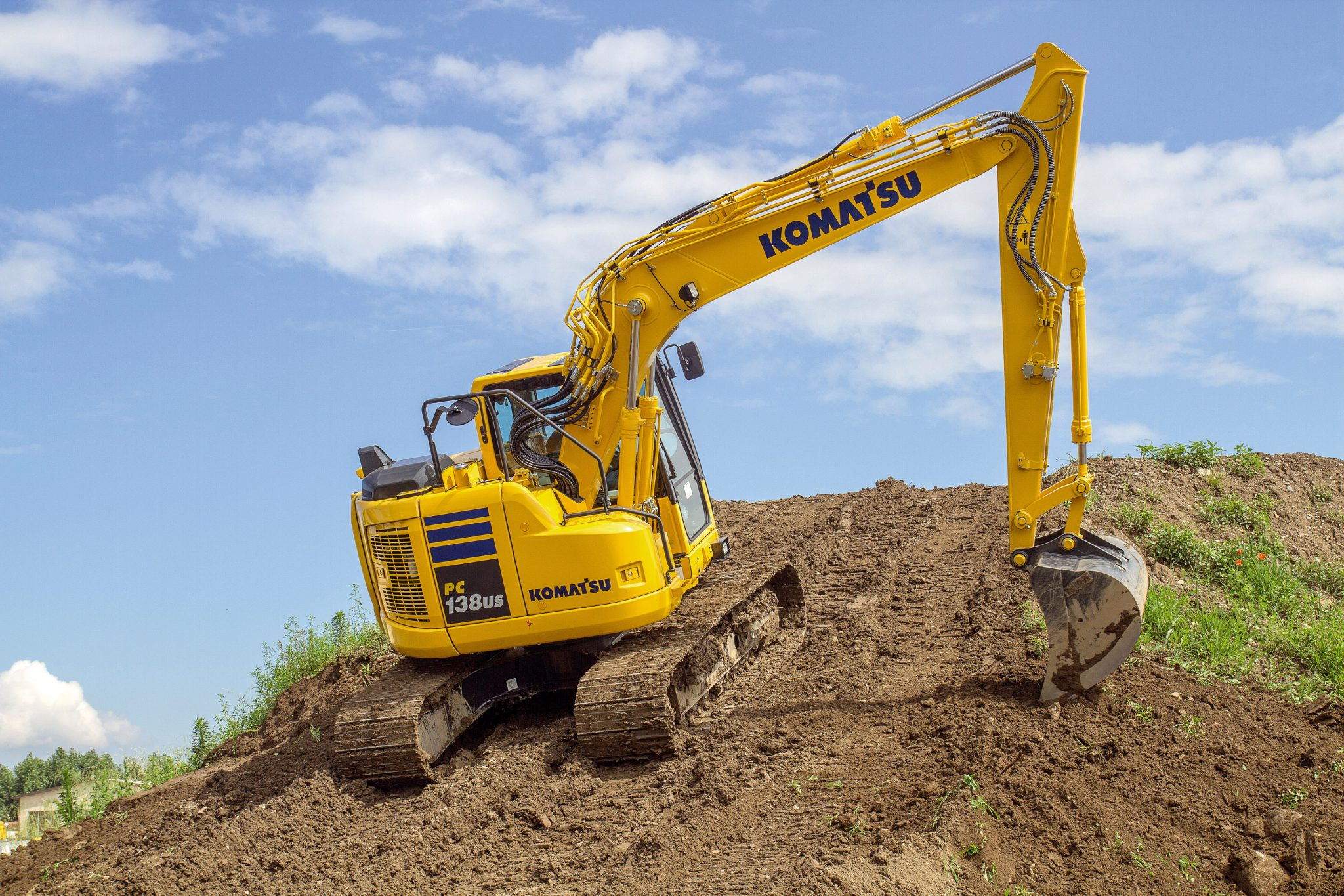 13 Ton Zero Swing Excavator Hire from Ridgway Rentals Ltd