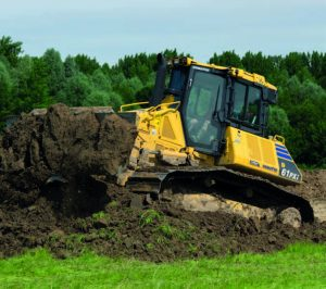 Komatsu D61PXi-24 Hire in action