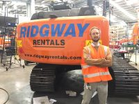 New Hitachi Excavators - Rob checking out the not often seen Ridgway decals
