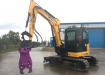 concrete cracker hire with 8 ton digger 2