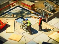 Government backs construction sites to stay open