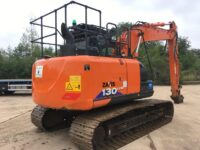 Hitachi 13 ton excavator for sale - boxing ring 3032
