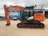 Hitachi 130 Excavator For Sale ZX130LCN 104955 1