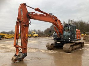 Hitachi ZX225 Excavator For Sale 506985