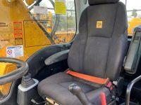 JS200W 3943 adjustable seat