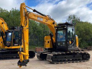 JCB JZ140 excavator hire zero tailswing